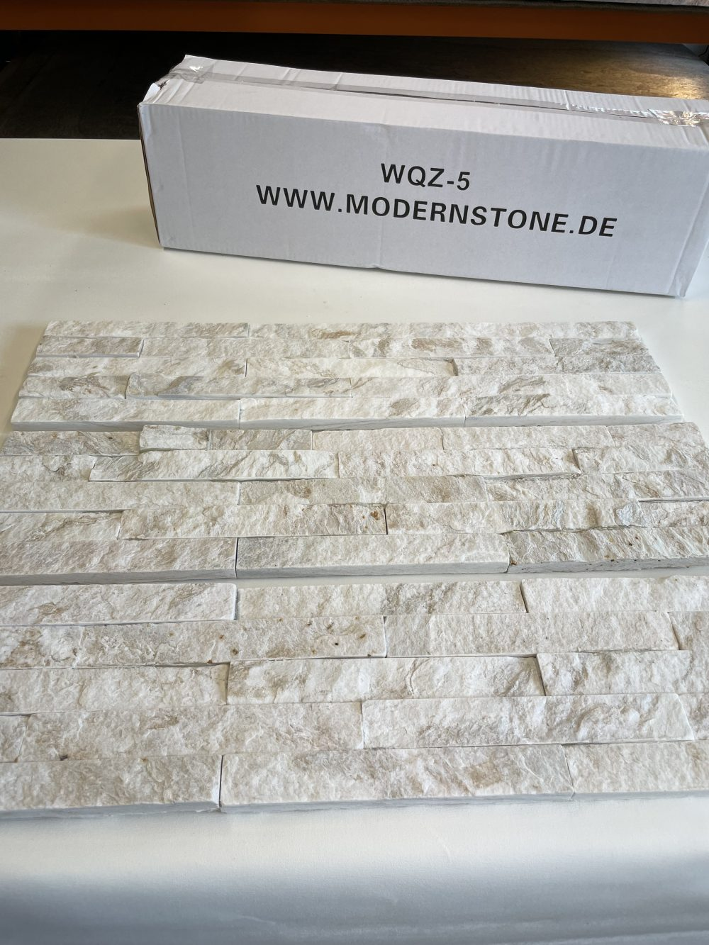 Wandverblender Steinwand Natursteinklinker Steine für die Wand weiß Riemchen